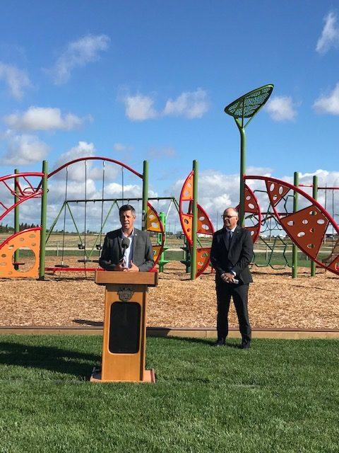Mayor opening playground