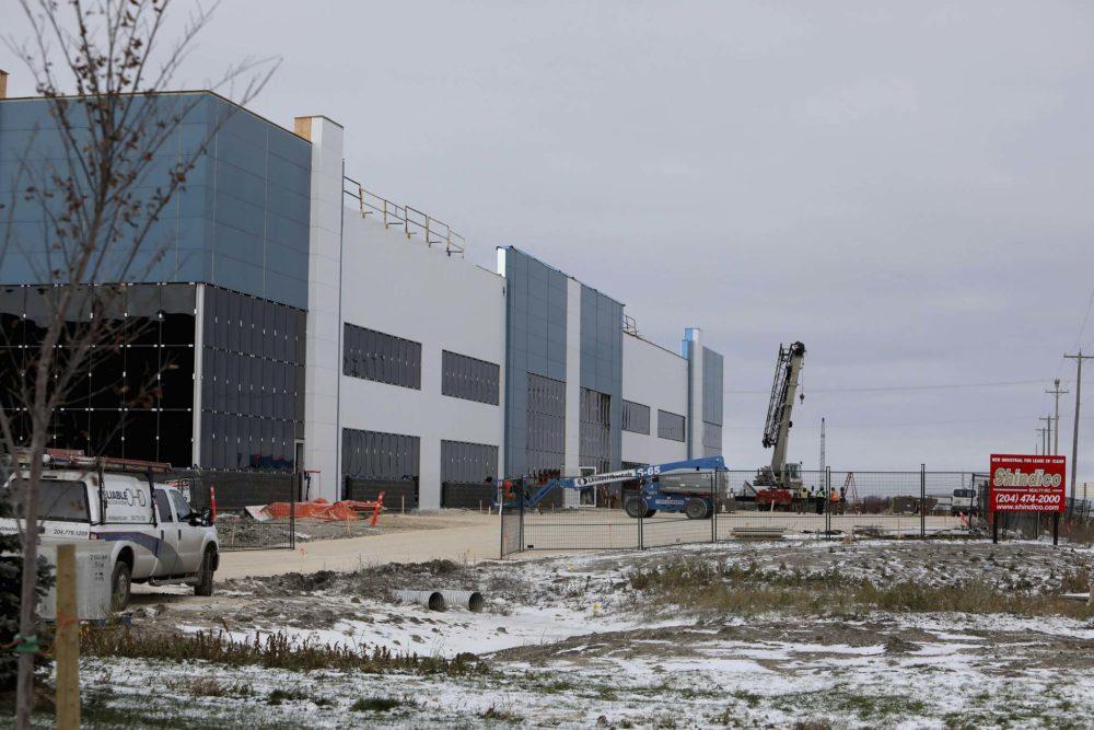 CentrePort construction by Ruth Bonneville / Winnipeg Free Press files