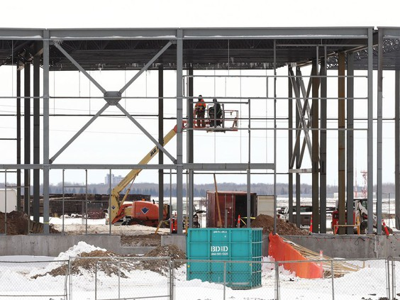 Work continues in the Steele Business Park, part of CentrePort Canada, north of the city in Rosser on Wed., April 14, 2021. KEVIN KING/Winnipeg Sun/Postmedia PHOTO BY KEVIN KING /KEVIN KING